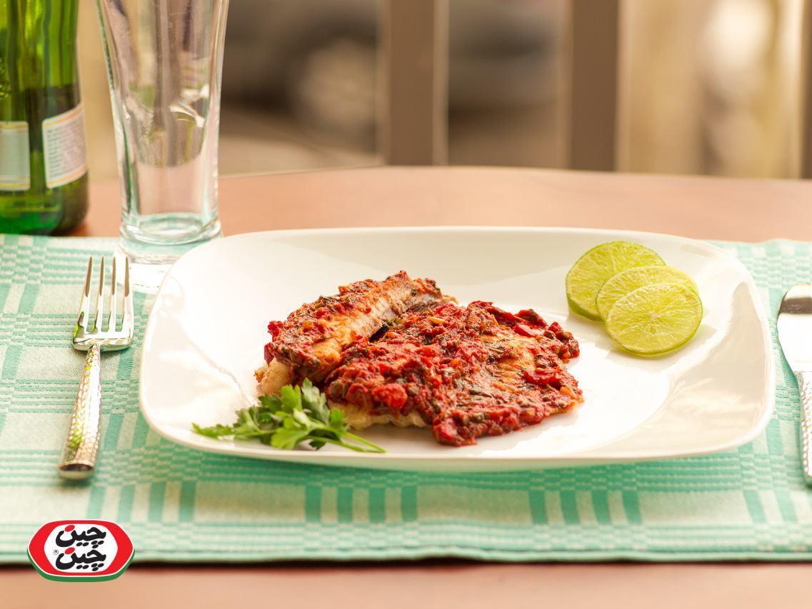 ماهی یونانی با سس گوجهفرنگی