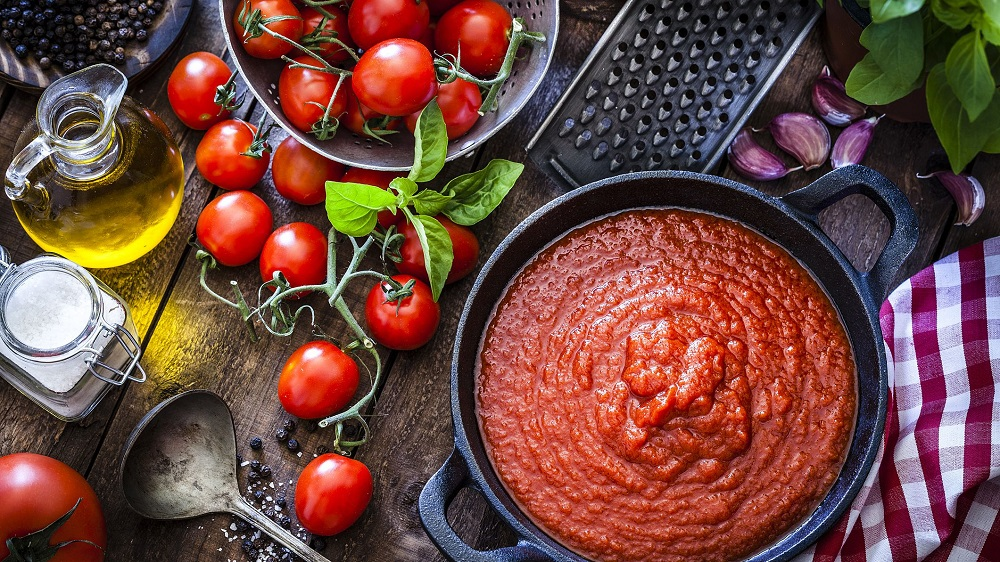 تهیه رب گوجه فرنگی