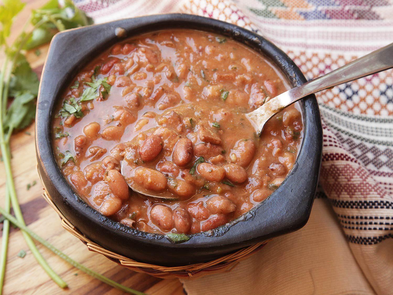 سوپ لوبیا چیتی مکزیکی